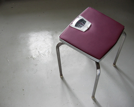 scale chair
