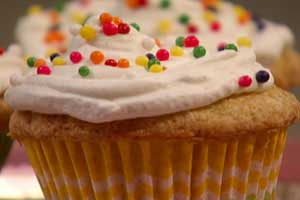 frosted-vanilla-cupcakes-cook-yourself-thin