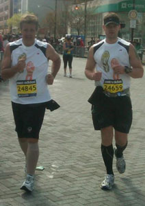 Danny Cahill and Jay Kruger run the 114th Boston Marathon. (photo by Amanda Arlauskas)
