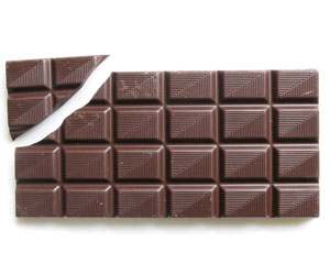 dark chocolate lowers high blood pressure