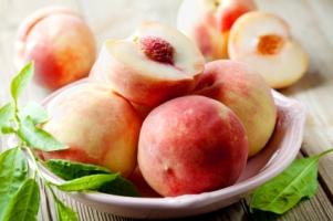 white-peaches-300x199