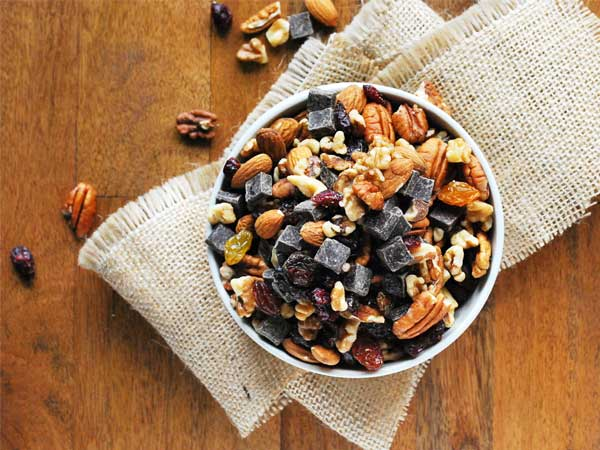 ultimate-fall-trail-mix!!