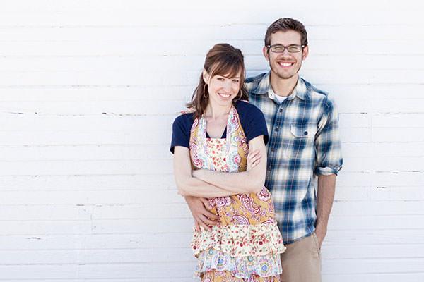 a-couple-cooks-bio-pic