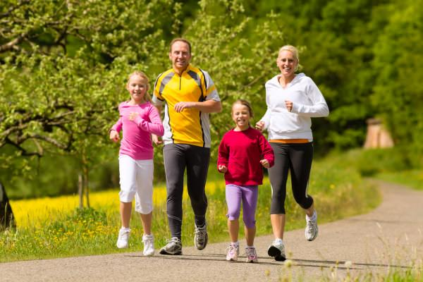 family running together