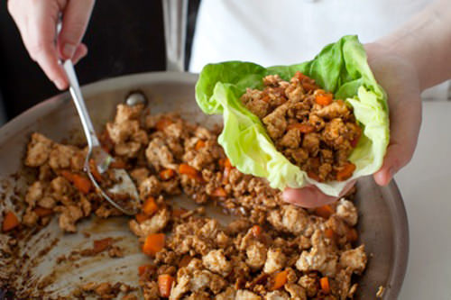 plated hoisin chicken lettuce wraps