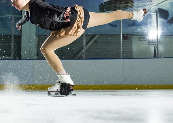 skater landing jump
