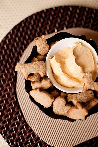pumpkin-dip-graham-crackers