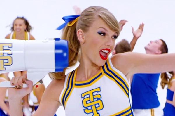 taylor-swift-shake-cheerleader
