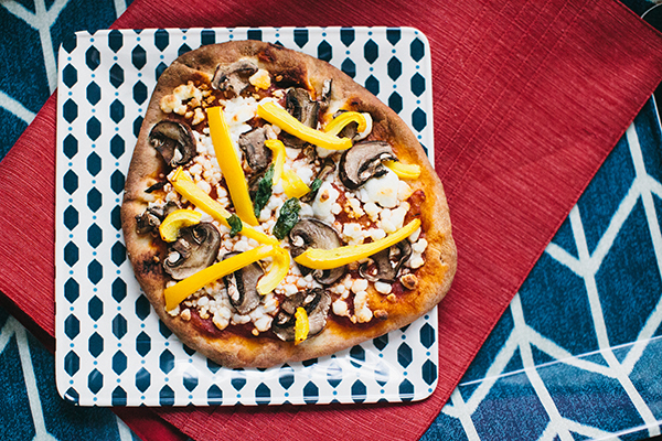 naan-crust-pizza-baked