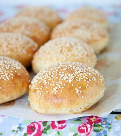Old Fashioned Hamburger Sesame Buns
