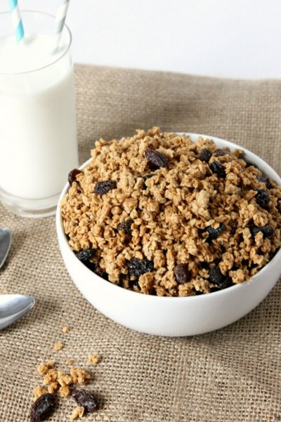 Organic Cinnamon Raisin Granola Cereal