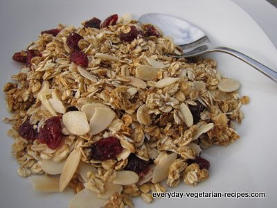 Lowfat Granola With Almonds
