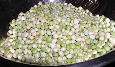 Peas, mature seeds, sprouted, raw