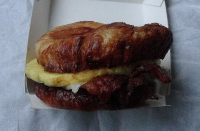 Sizzli Croissant (Bacon, Egg & Cheese)