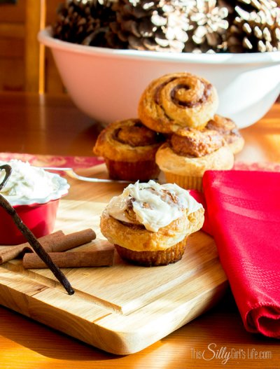 Cinnamon Rolls, Big Flaky, with Cream Cheese Icing