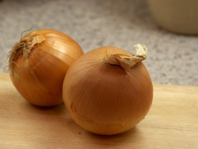 Organic, Onion, Yellow / Brown, Fresh, Bunch