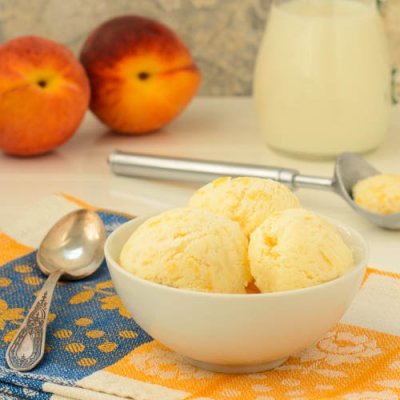 Yogurt, Peaches & Cream