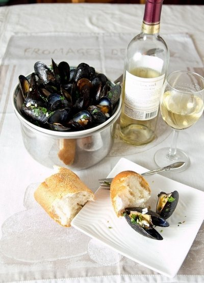 White Wine & Garlic Mussels