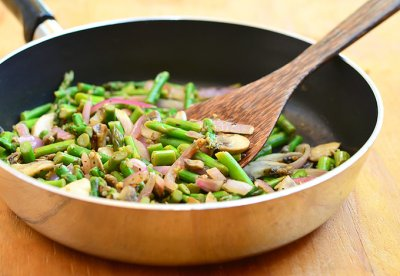 Asparagus Saute With Mushrooms & Onions