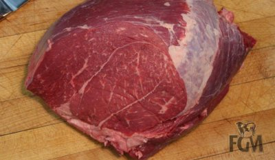 Beef, round, knuckle, tip center, steak, separable lean and fat, trimmed to 0