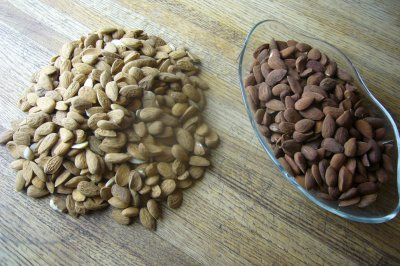 Almonds, Whole, Dry Roasted, with Sea Salt