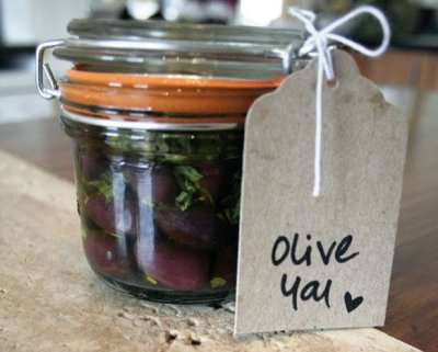 Olives, Marinated, Kalamata, Pitted, With Herbs & Napa Valley Cabernet
