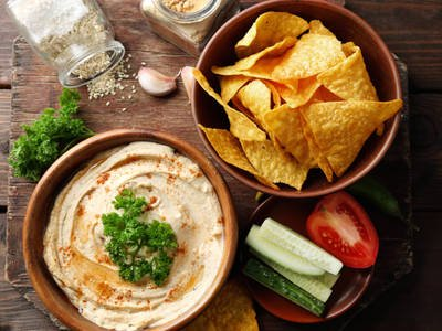 Smooth and Creamy Classic Hummus