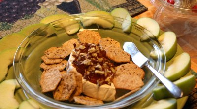 Apples & Cheese Snack Tray With Crackers & Dip
