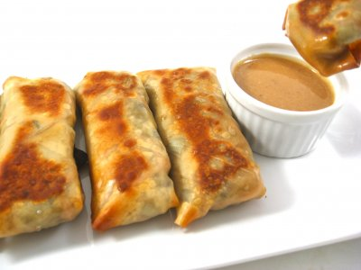 Vegetable Egg Rolls with Dipping Sauce