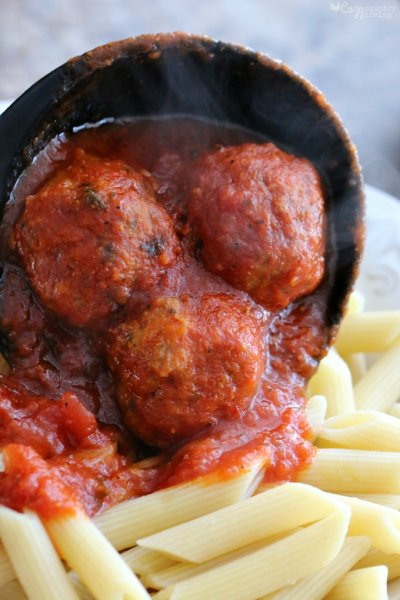 Slow Cooked Italian Sauce And 8 Beef Meatballs