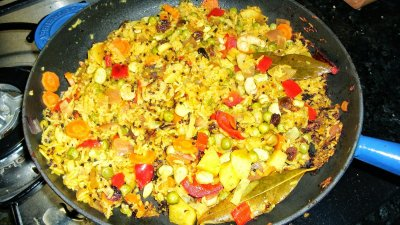 Yellow Rice & Seafood Dinner, Paella Valenciana, Family Size