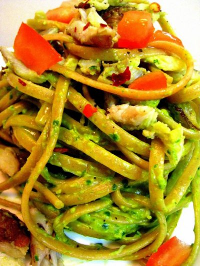 Linguine with Pesto & Tomatoes