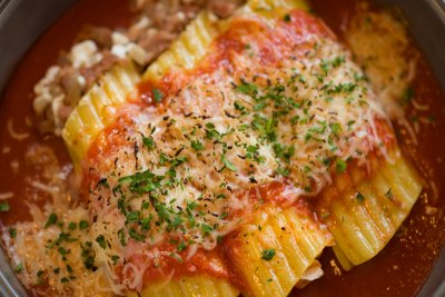 Manicotti with Sauce