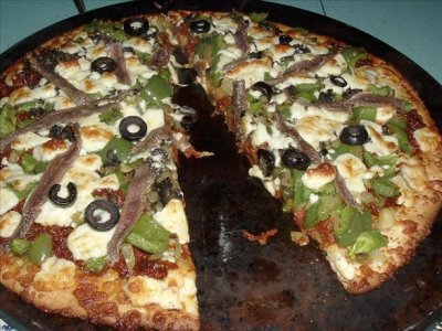 Mediterranean Traditional Crust Pizza