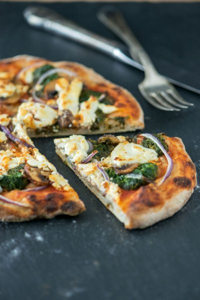 Spinach And Mushroom Alfredo Pizza