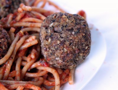 Spaghetti With Meatballs, in a Hearty Tomato Sauce