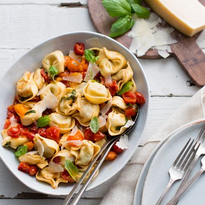 Cheese & Roasted Garlic Tortelloni