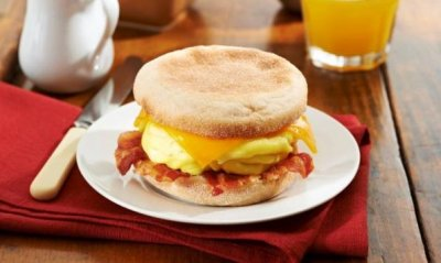 Breakfast Muffin Sandwich, Egg and Cheese