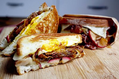 Bacon, Egg and Cheddar Cheese Sandwich, Flat