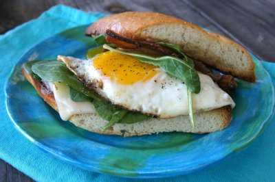 Fried Bacon & Egg Sammich