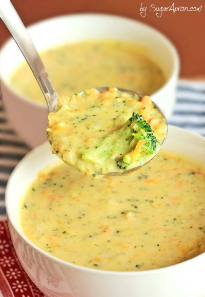 Broccoli Cheese Soup Bread Bowl