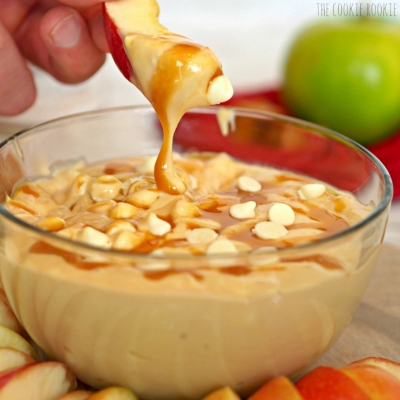 Apple Slices with Fat-Free Caramel Dipping Sauce
