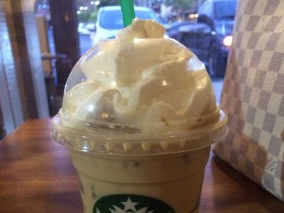 Iced Caffe Latte, Whole Milk (Venti)
