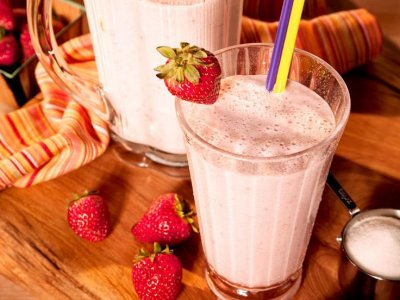 Low-Fat Strawbery Smoothie with Ginseng