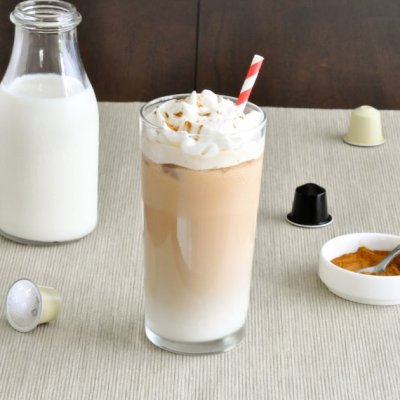 Iced Vanilla Latte w/ 2% Milk 20 oz