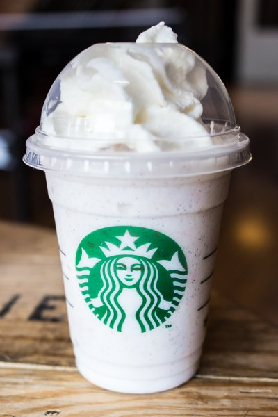 Caffe Vanilla Frappuccino Blended Coffee, Whole Milk (Grande)