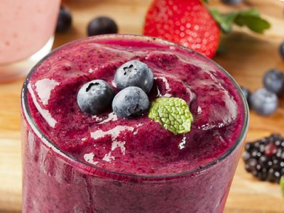 Low-Fat Wild Berry Smoothie