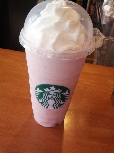 Strawberries  & Creme Frappuccino Blended Creme, Nonfat Milk (Venti)