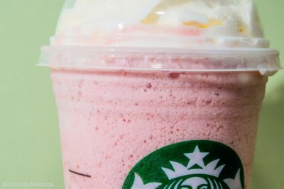 Strawberry Fruit Coolatta, Medium