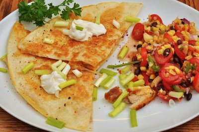 Fast foods, quesadilla, with chicken